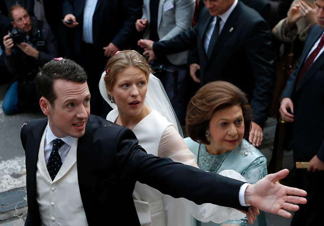 Prins Philip och Danica Marinkovic gifter sig i St. Michael's Katedralen i Belgrad, Serbien.