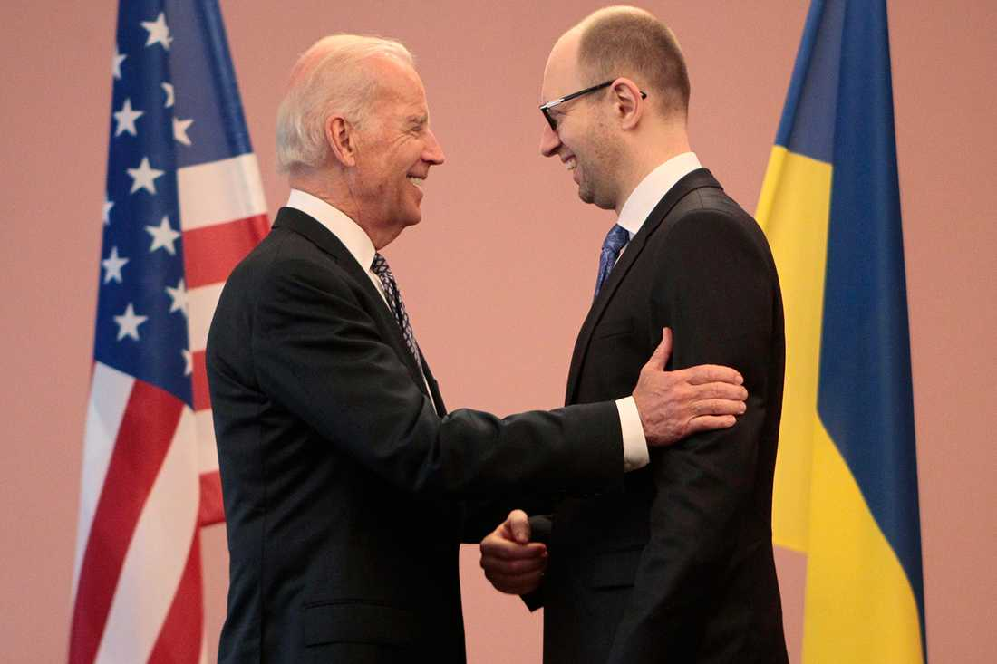 USA:s vicepresident Joe Biden och Ukrainas premiärminister Arsenij Jatsenjuk