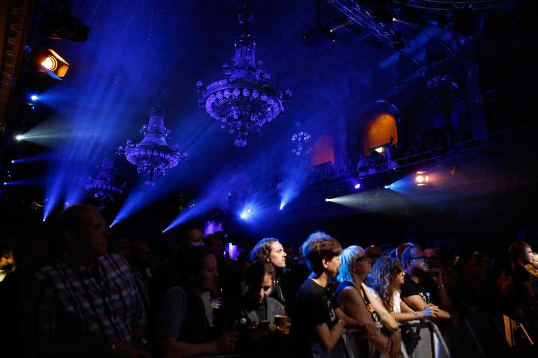 Slash spelade med svenska Graveyard på Berns.