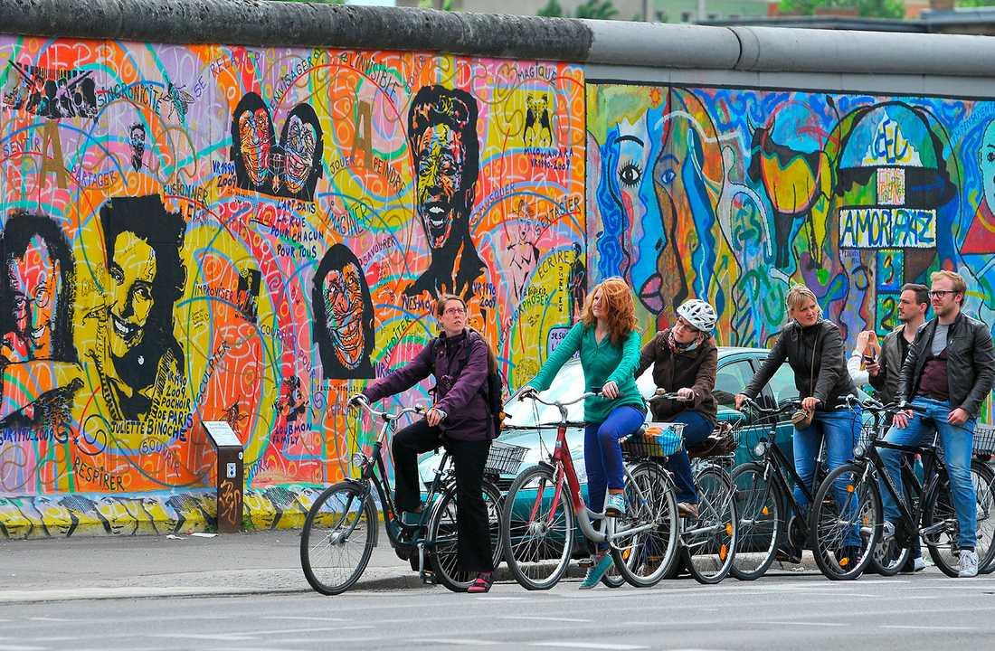 Berlinmuren skilde Väst- och Östberlin åt mellan 1961 och 1989. I dag finns det några ställen kvar där man kan titta på den.