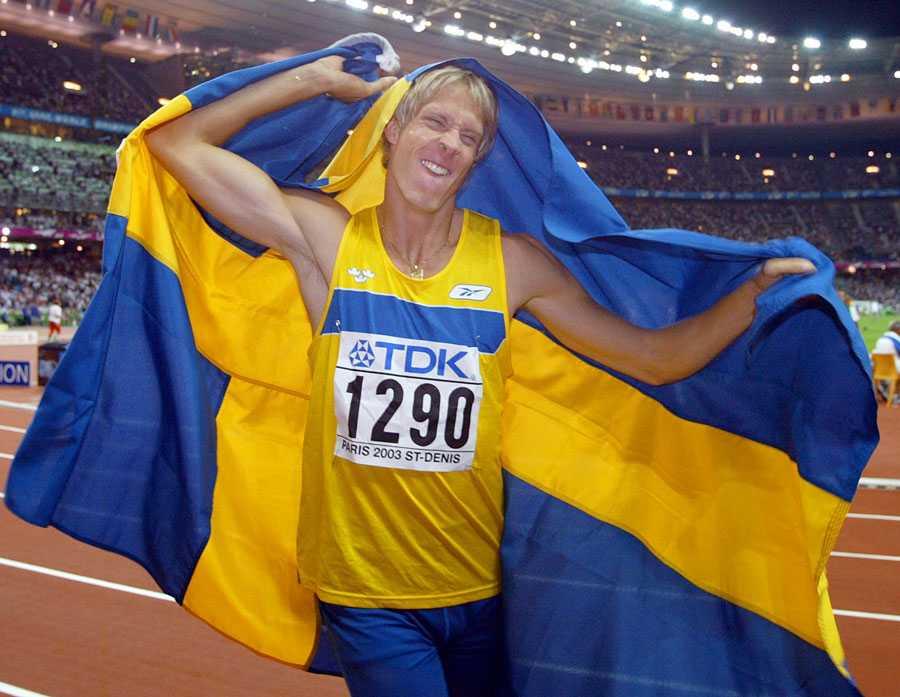 VM I PARIS 2003 ... där det blev guld, såklart. Olsson hoppade 17,72.