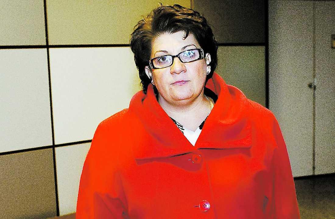 extraknäcker Arbetsförmedlingens chef Angeles Bermudez-Svankvist har en månadslön på 129 000 kronor i månaden. På sin arbetstid förläser hon om ledarskap. Arvodet ligger på mellan 10 000 och 40 000 kronor.