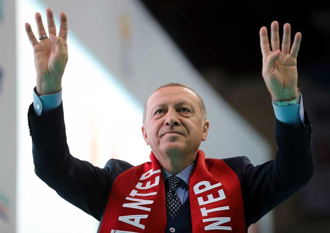 Turkiets president Recep Tayyip Erdogan på ett möte i lördags.