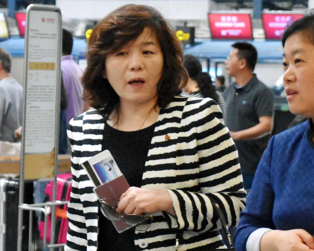 Choe Son-Hui på flygplatsen i Peking våren 2017.