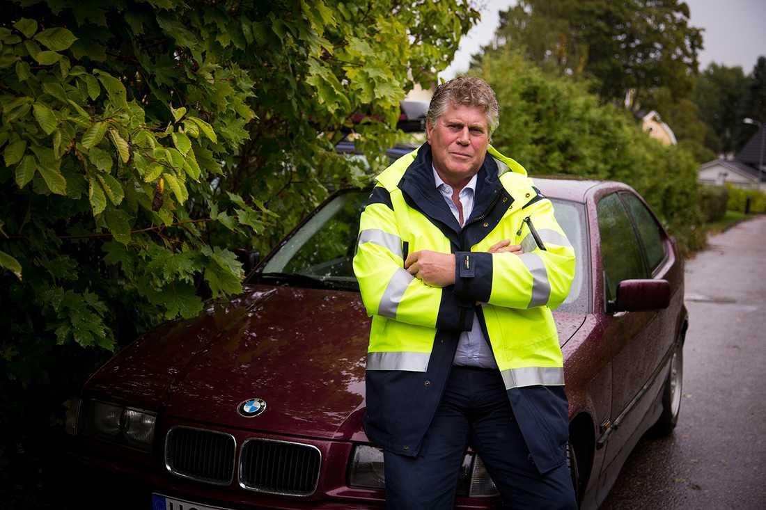 Egenföretagaren Lennart Gillström, 61, fick i början på september bilen vandaliserad med fogskum.
