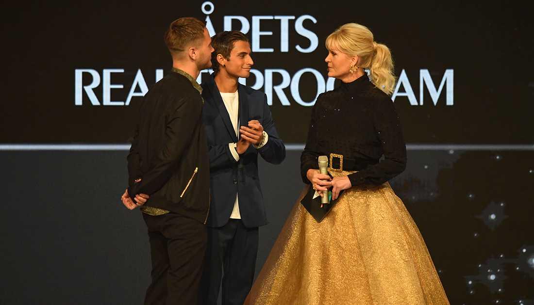 Kattis Ahlström tillsammans med Samir Badran och Viktor Frisk under Kristallen 2017.