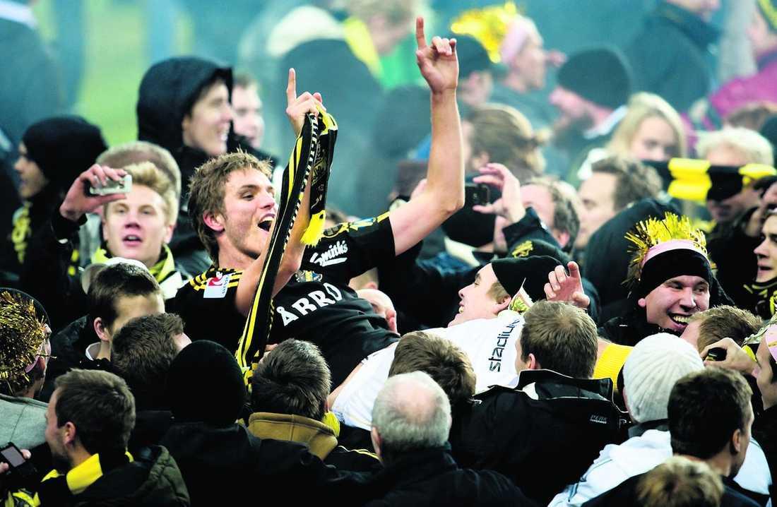 vann – och försvann? Jos Hooiveld kom från finska Åbo till AIK inför den gångna säsongen. Nu pekar allt på att det bara blev en säsong i klubben för den populäre mittbacken.