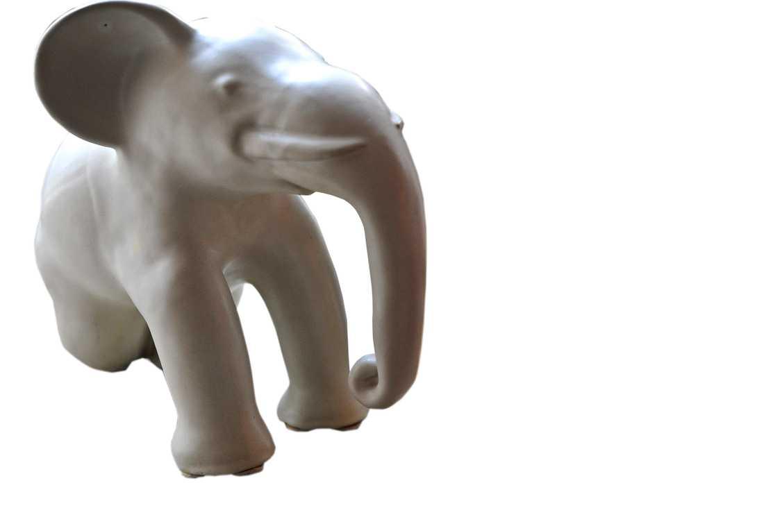"""Flera formgivare skapade """"Ekebyelefanter"""" – och kunderna brydde sig mer om djuret än vem som låg bakom det."""