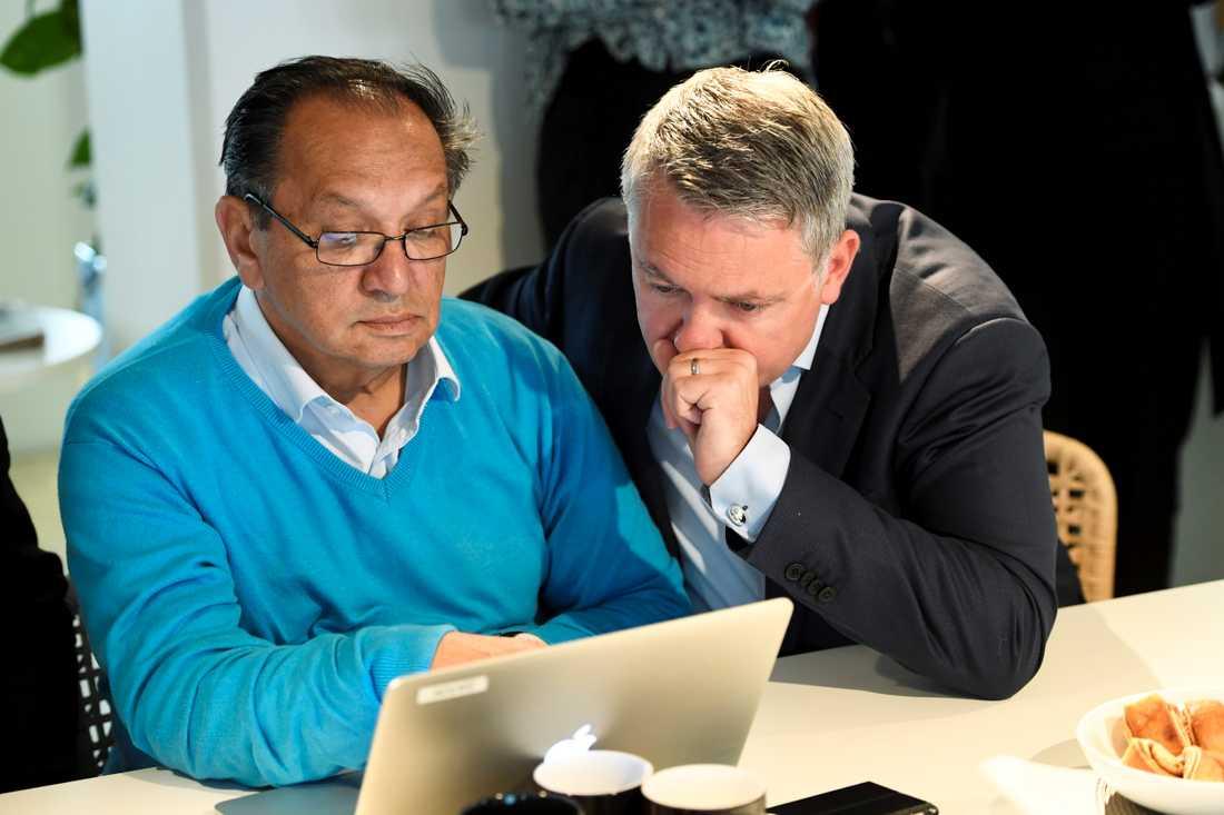 Fred Taikon och Robert Hårdh, chef för Civil rights defenders som drivit ärendet i domstol.