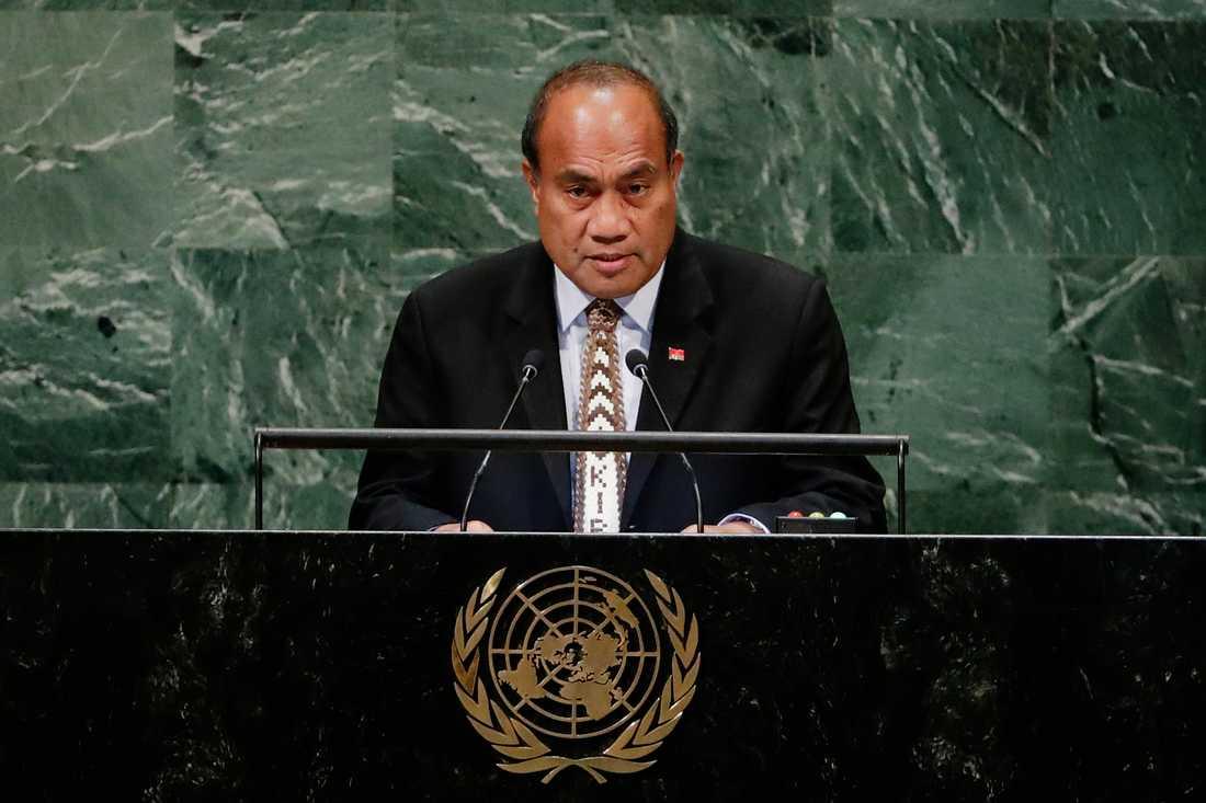 Kiribatis president Taneti Maamau får fortsätta regera östaten i Stilla havet.