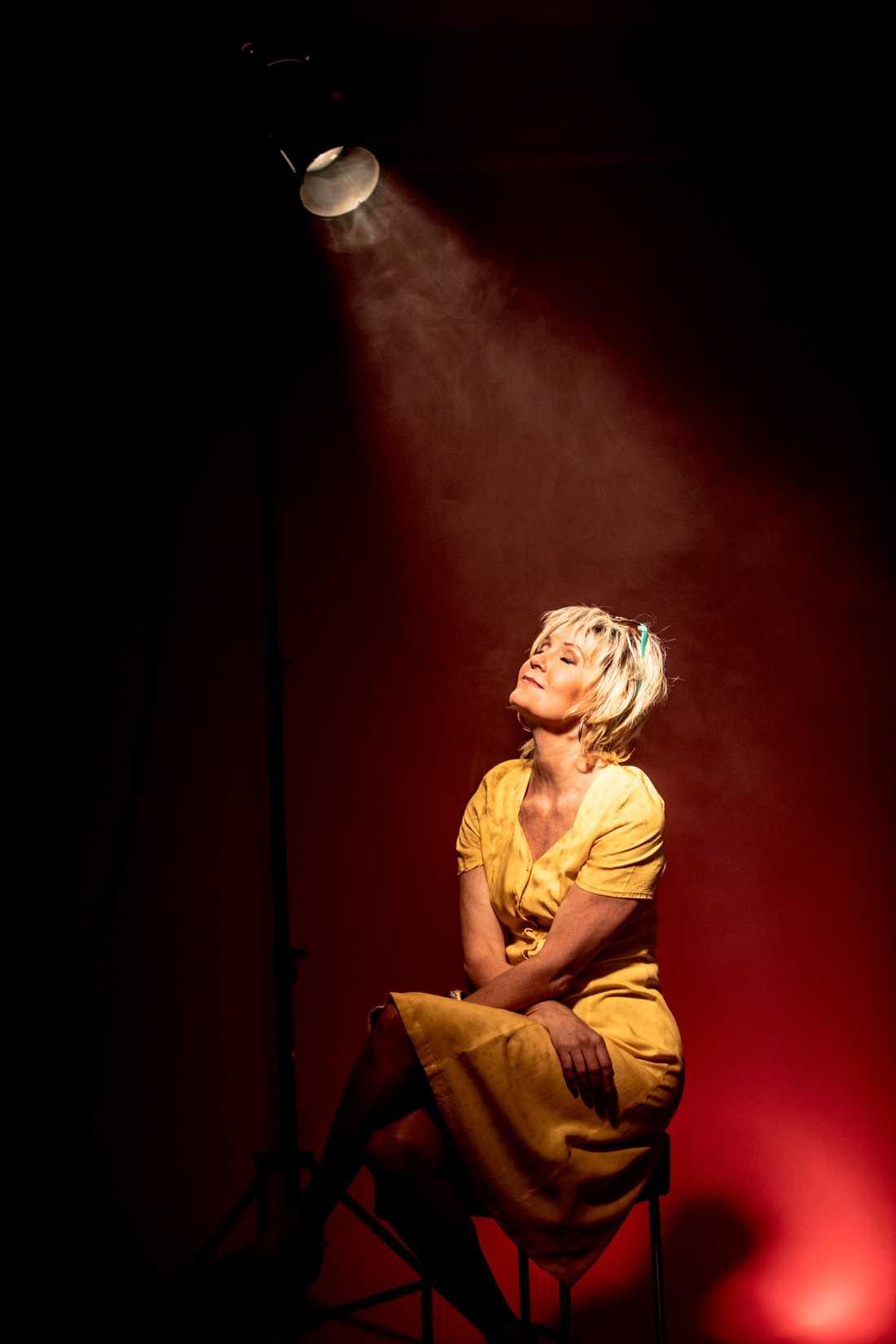 Maria Lundqvist som Shirley Valentine.