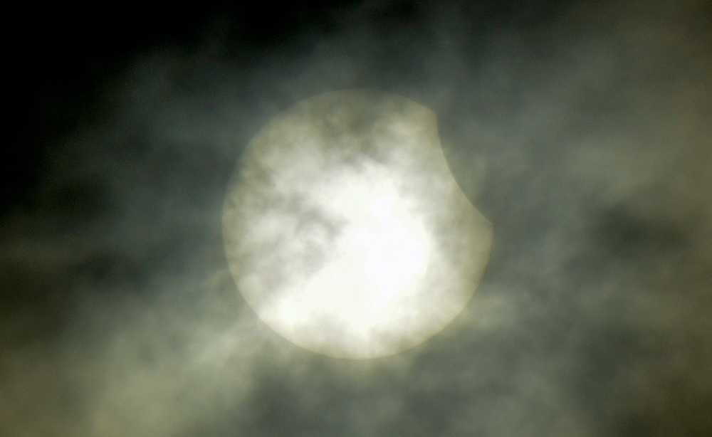 Solförmörkelsen i Malmö vid 10.00 på fredagsförmiddagen.