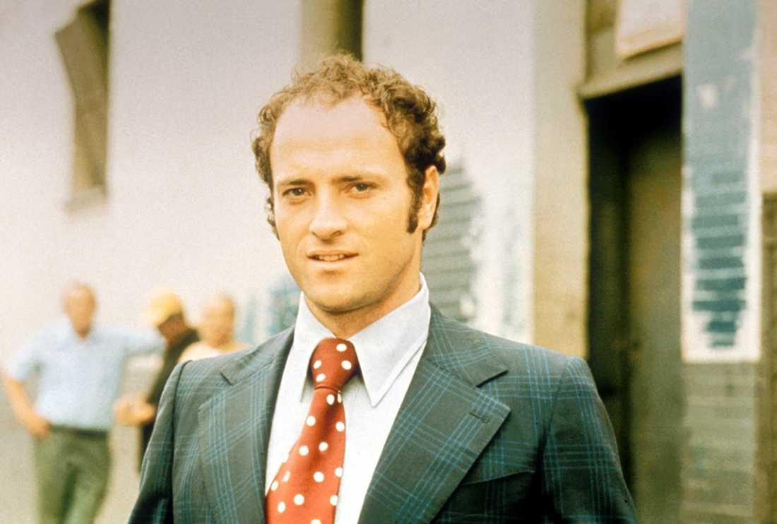 "Kevin Dobson som Bobby Crocker i ""Kojak""."