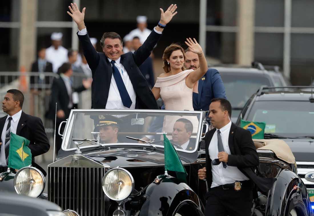 Jair Bolsonaro tillsammans med sin fru Michelle.
