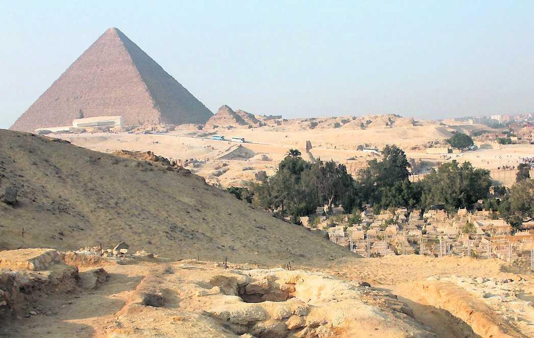 åt gott Varje dag fick arbetarna som byggde Egyptens pyramider 21 kor och 23 får att äta. Det visar nya gravfynd.