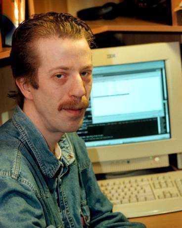 Peter Holländare skaffade sig en privat brandvägg och upptäckte 70 försök att göra intrång i hans hemdator   på en vecka.