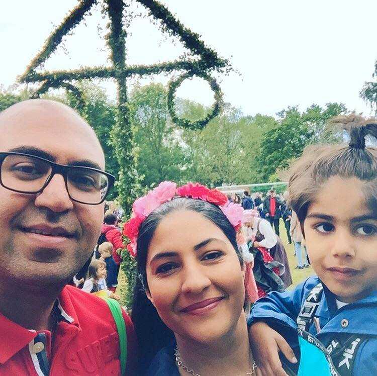Familjen Mahmoodi-Afzali plockar skräp varje lördag.
