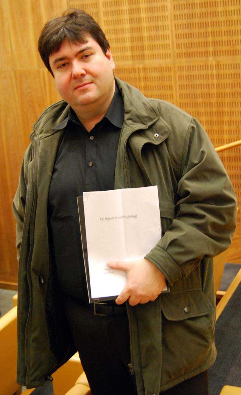 Har nominerat spelare Murat Sahan, chefredaktör för Poker Magazine.