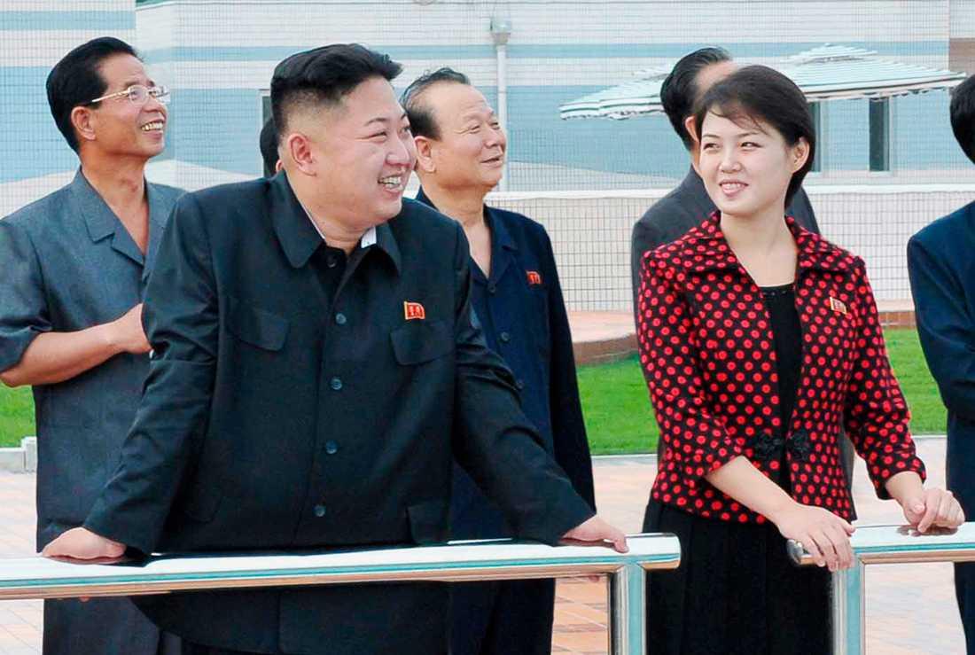 KÄRLEK Kim Jong-Un tillsammans med sin fru Ri Sol Ju.