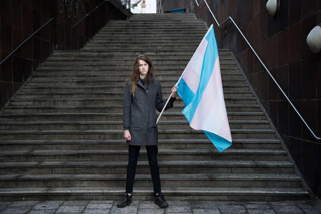 Transförsvaret enda mål är att nå ut till politikerna. Men som en positiv effekt har de också inspirerat andra transpersoner att stå upp för sig själva.