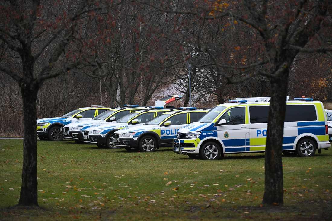 Flera patruller är på plats.