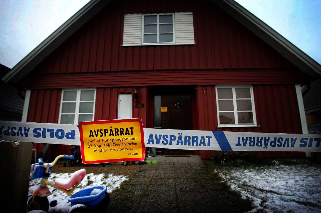Attacken mot Emma Jangestig och hennes två barn Max, 3, och Saga, 1, i Arboga var brutal. De blev upprepade gånger slagna med en hammare. Sa