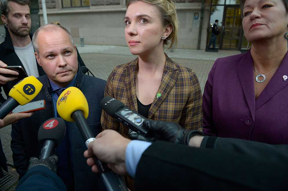 Justitieminister Morgan Johansson (S), MP:s migrationspolitiska talesperson Magda Rasmusson och  arbetsmarknadsminister Ylva Johansson (S).