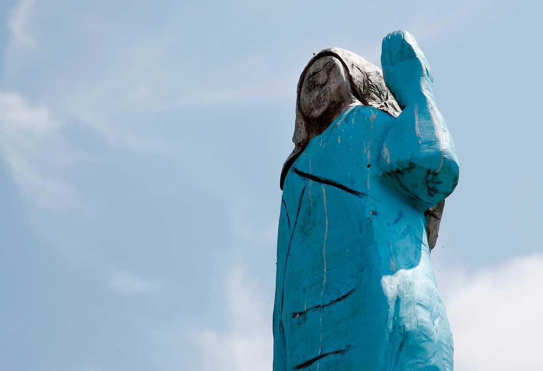 En trästaty föreställande USA:s första dam Melania Trump i Slvenien brändes på USA:s nationaldag. Arkivbild.
