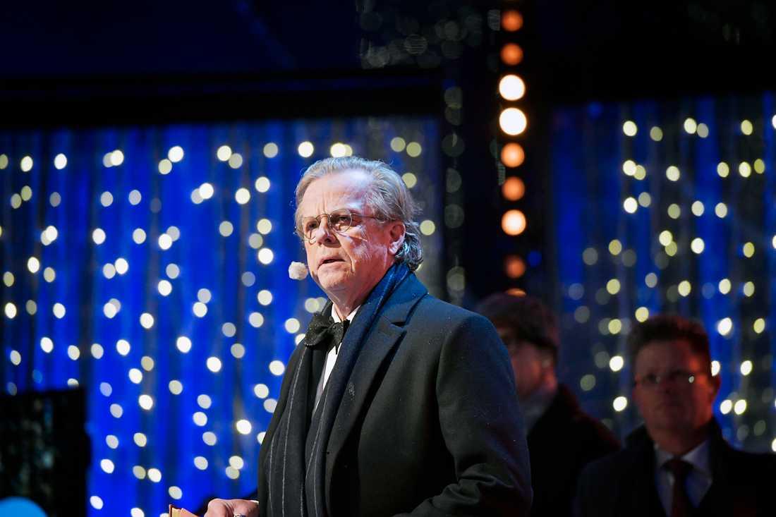 """Krister Henriksson läser den klassiska dikten """"Nyårsklockan"""" på Skansen."""