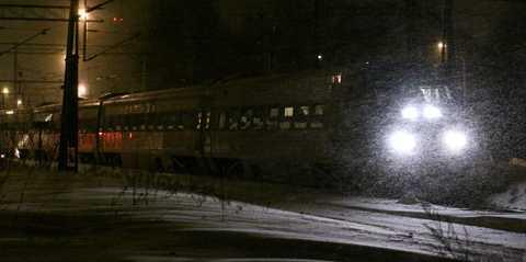 Tåget från Göteborg mot Stockholm avgick 13.30 i går. Det kom fram till Södertälje 04.30 på morgonen. Därifrån tog Frida Grönborg en taxi.