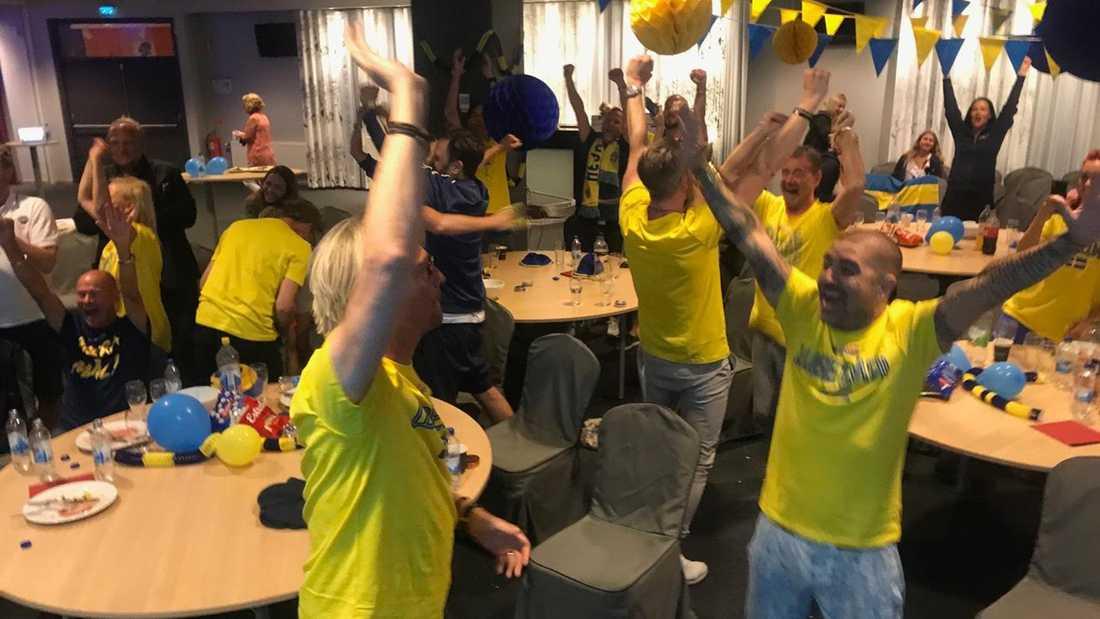 Diggiloo-gänget firar segern.