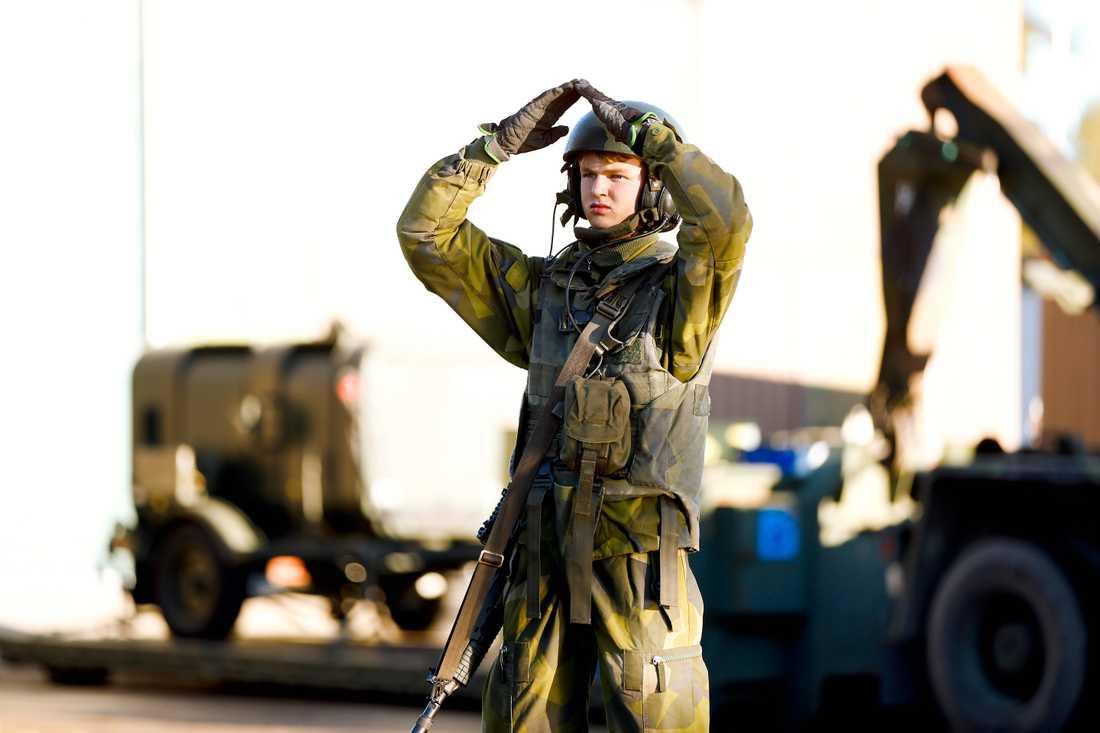 Förberedelser på Norrbottens regemente I 19 i Boden inför Natoövningen.