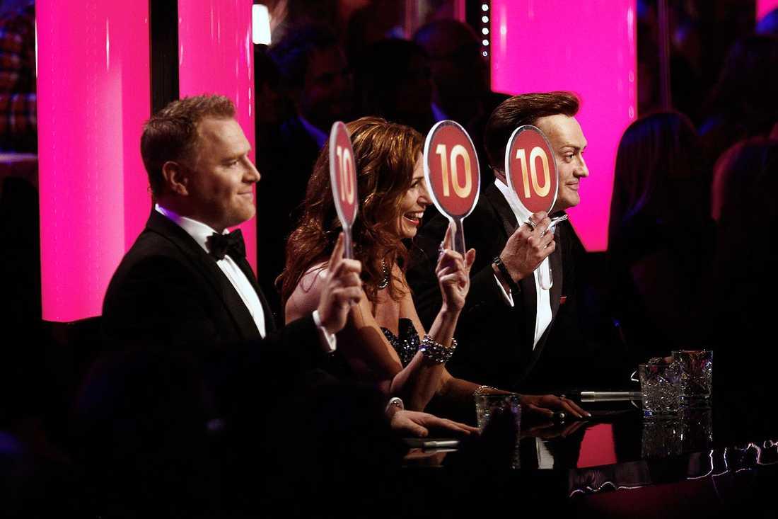 Dermot Clemenger, Ann Wilson, Sverige och Tony Irving i Let's dance-juryn.