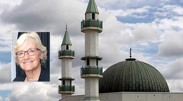 """Debattören Birgitta Danielson: """"Muslimer är som alla människor olika. Det finns sekulära, lite ljummet troende, de som använder religion på samma sätt som vi (gillar traditionerna) och förstås fanatikerna."""""""