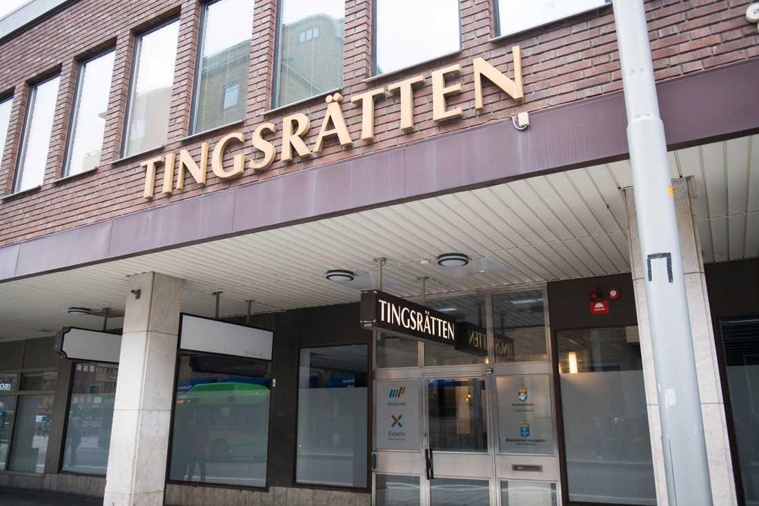 En kvinna åtalas vid Eskilstuna tingsrätt för grovt koppleri. Arkivbild.