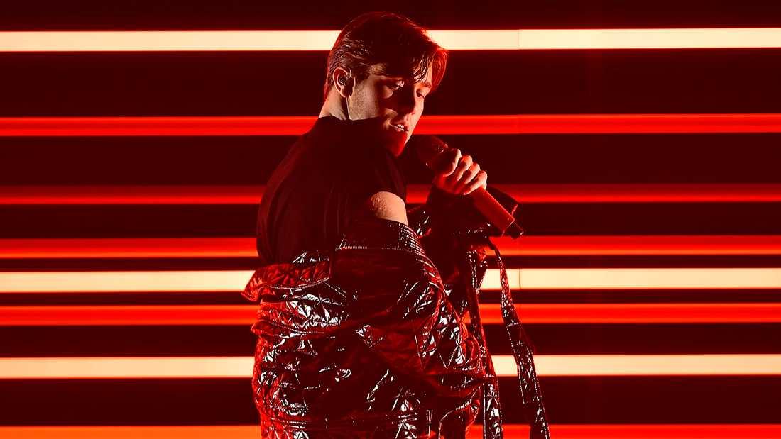 """…och Benjamin Ingrossos """"Dance you off"""" spridits via bland annat en social nätverkssajt i Ryssland"""