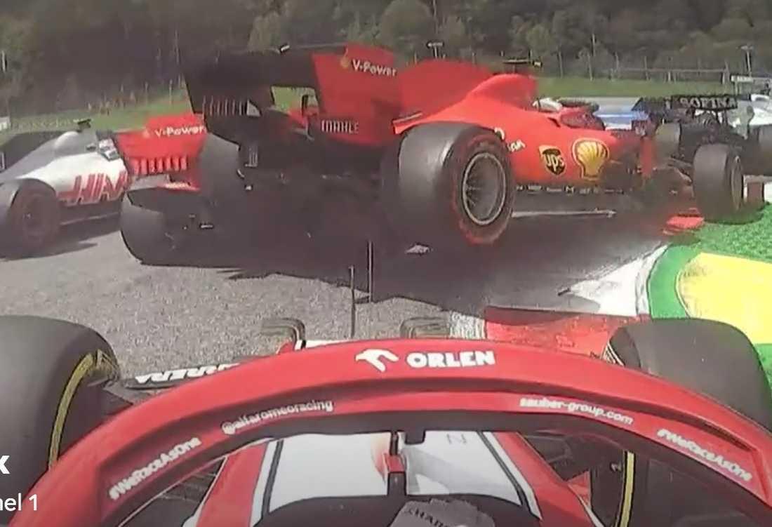 Här kör Vettel och Leclerc in i varandra.