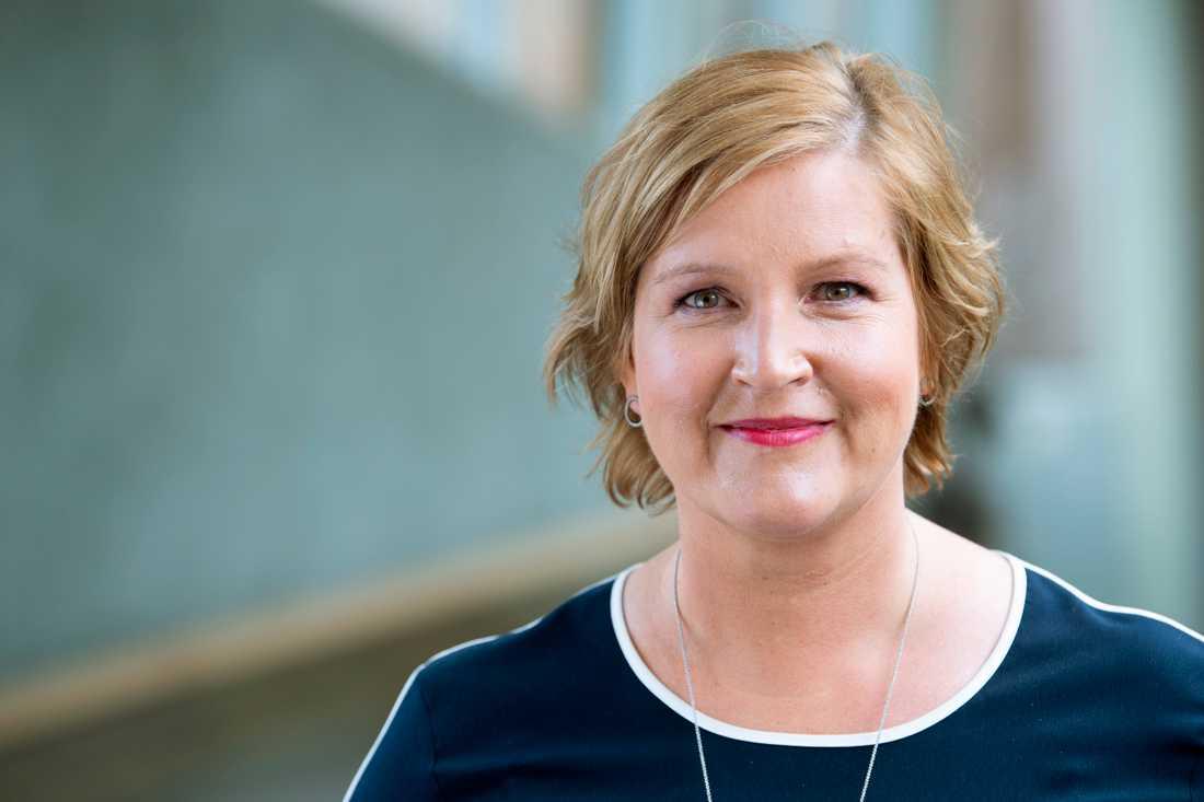 """""""Kriminaliteten ligger långt före oss, och vi har pekat länge på att man behöver ta ett krafttag"""", säger Karin Karlsbro, Liberalernas toppkandidat i EU-valet."""