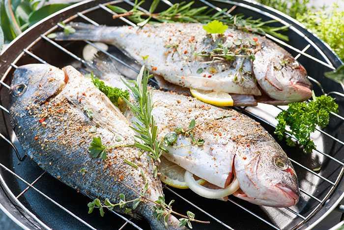 Grillad röding – fisken kommer inte fastna på grillen eller falla isär