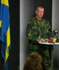 Generalmajor Berndt Grundevik under kvällens presskonferens på Försvarsmaktens högkvarter.