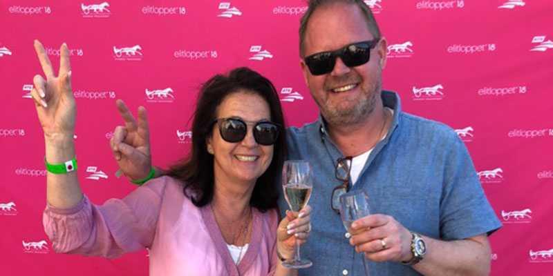 Trea på vinstlistan: Kollegorna Gunilla Welander och Dennis Olofsson.