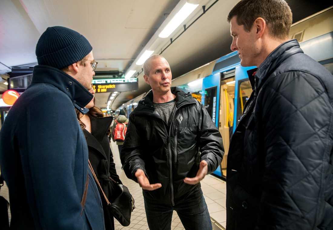 Brandmannen Nils Lundberg berättar om hur de gick till väga för att rädda Lucas Sjölund Jurado från under tunnelbanan.