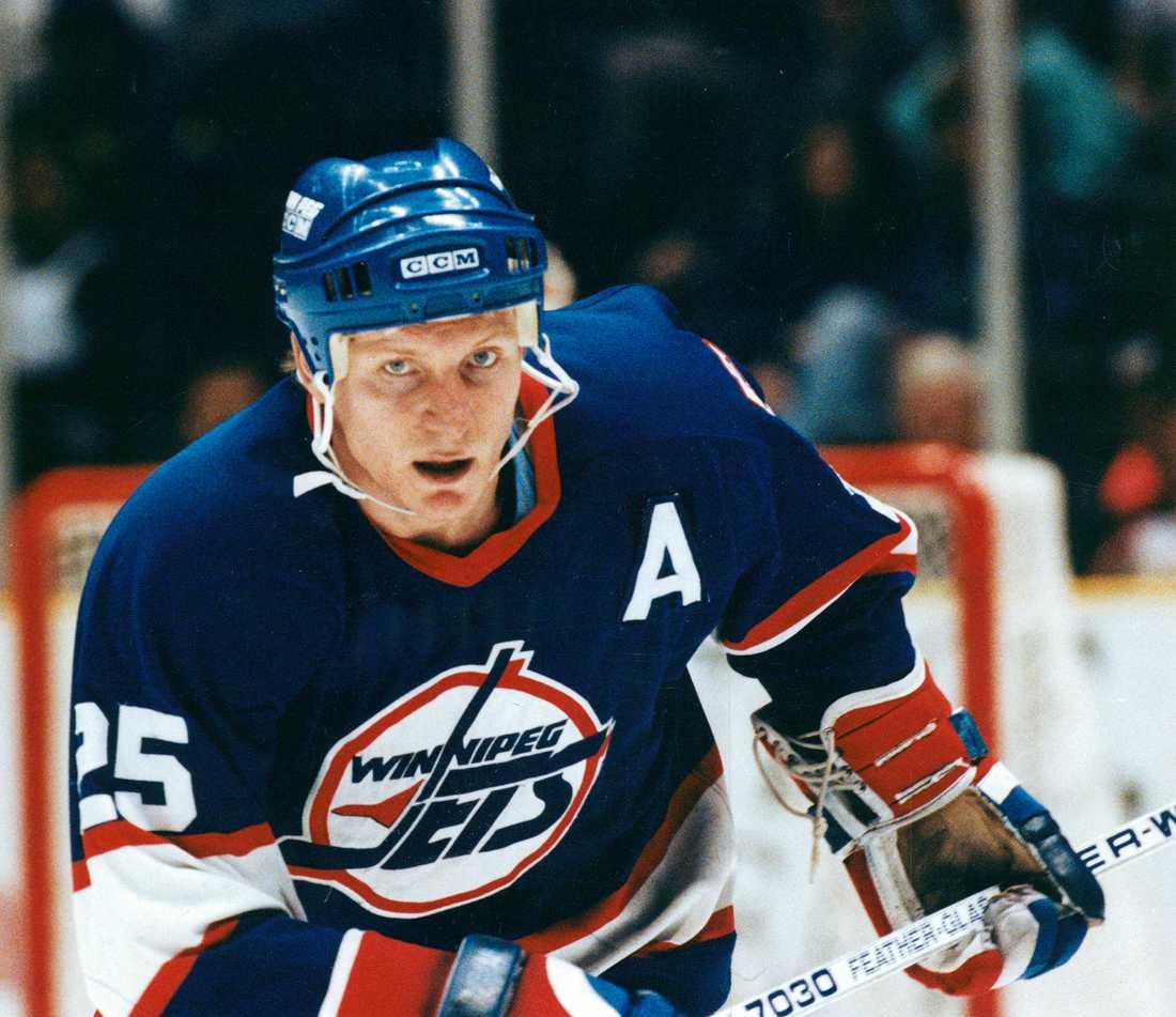 Thomas Steen var hyllad i Winnipeg