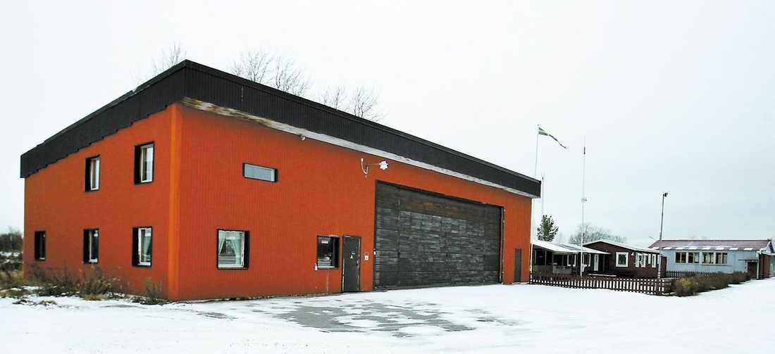 1,3 miljoner betalades för en hangar värd 350000 kronor för att slippa Outlaws i Sandviken.