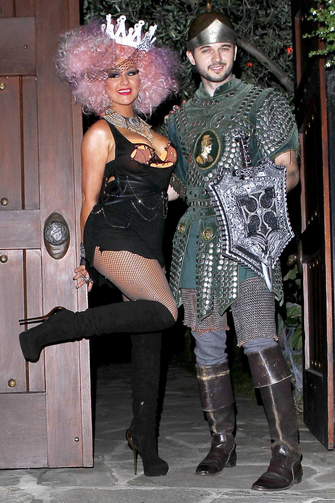 Christina Aguilera och Matthew Rulter var tjusiga i sina kostymer.