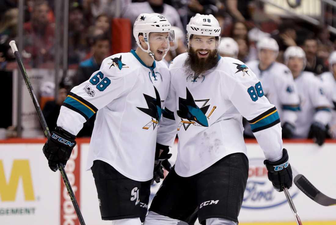 Melker Karlsson och Brent Burns.
