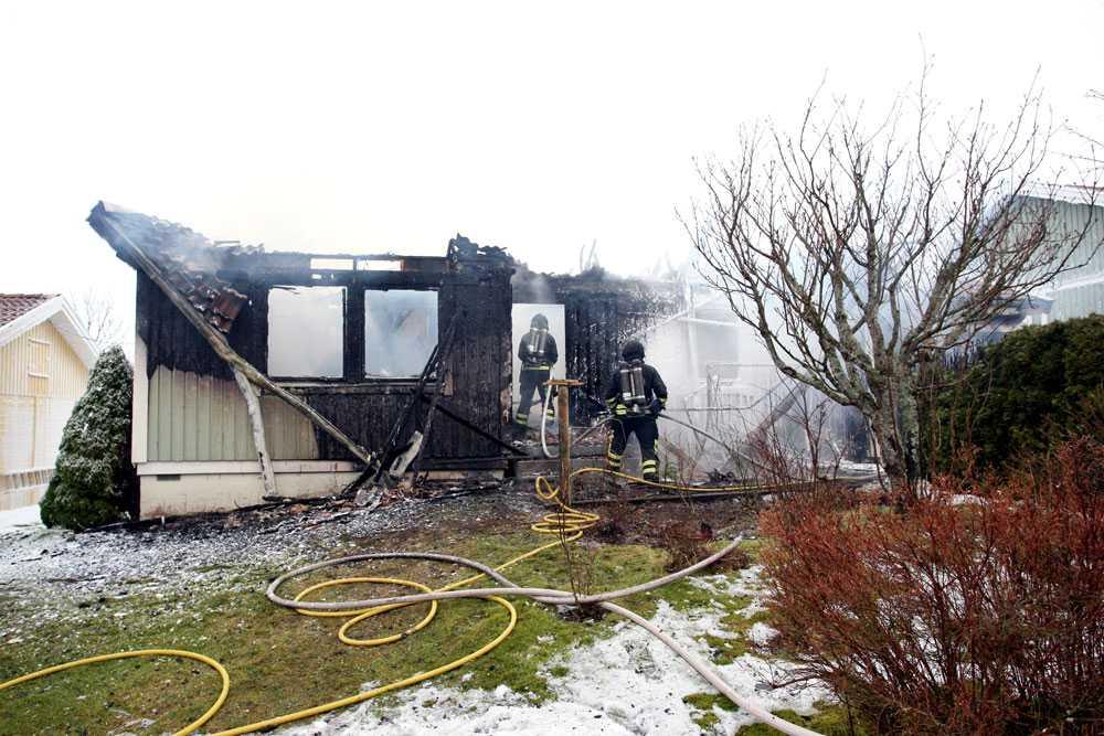 Huset blev totalförstört i branden.