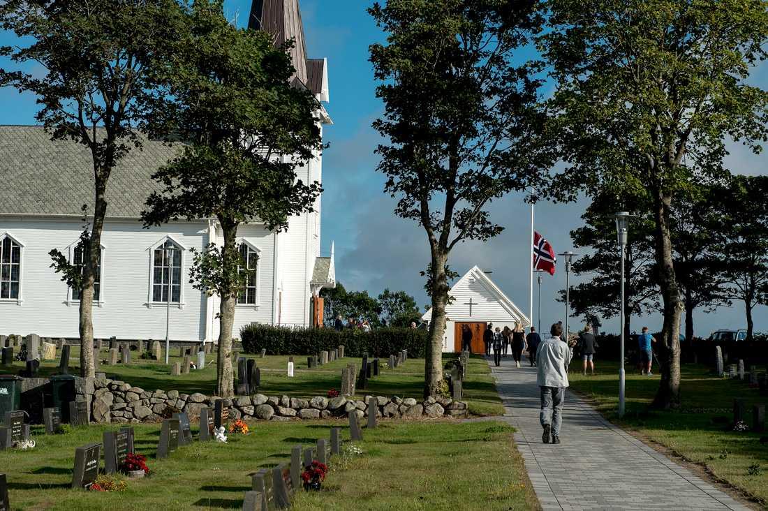 Kyrkan håller öppet efter mordet på 13-åriga Sunniva i Varhaug i Norge.
