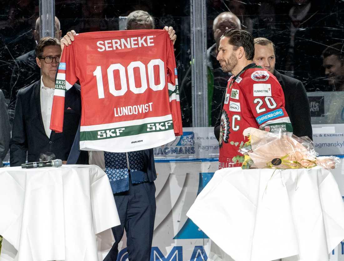 Joel Lundqvist hyllades inför matchen, bland annat med en specialtryckt tröja för att fira hans 1000 matcher i Frölunda.