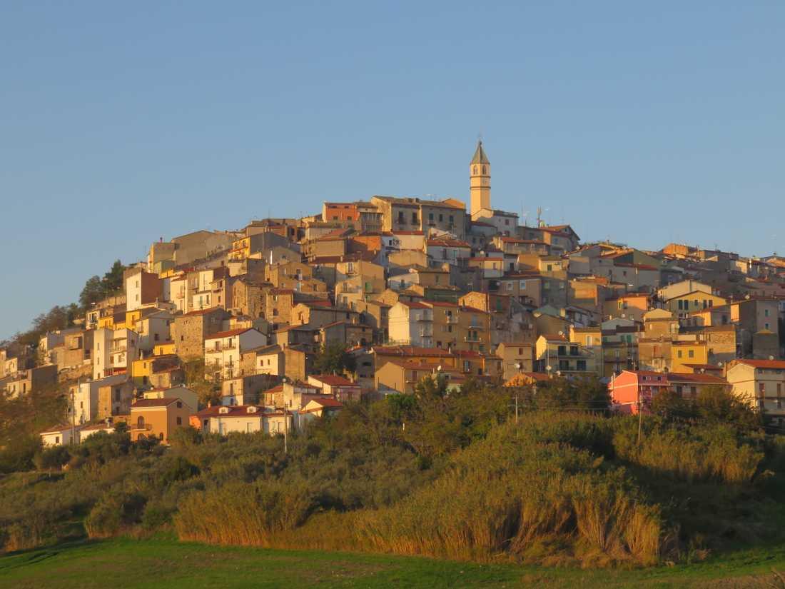 Bisaccia är en by där gammalt och nytt möts.
